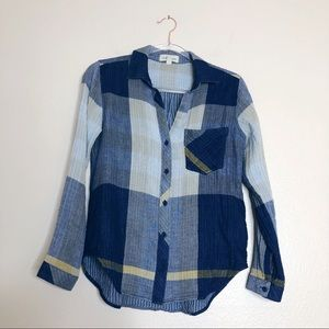 Cloth & Stone Denim Chambray plaid button up top